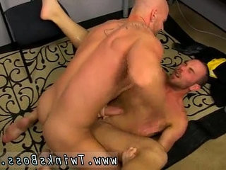 Male to male titranssexual anal bathes fag gratefully for him, his muscled