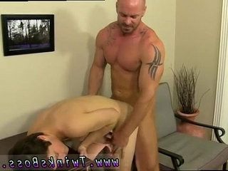 Naked boy queer porno movies very first he gets the messenger to fellate his