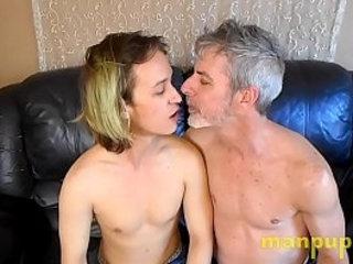 Gay 19-year-old Twink & 50yo Daddy Kissing and Tongue Worship - Zeke Wolf - Richard Lennox - Manpuppy