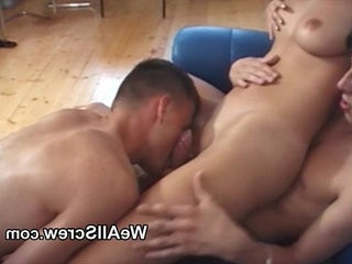Teen bihookupual threesome