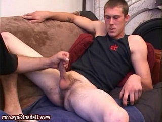 Amateur straight dude gets forearmjob