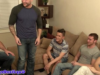 hairy gay gets deep-throatjob from dangledry twink in group