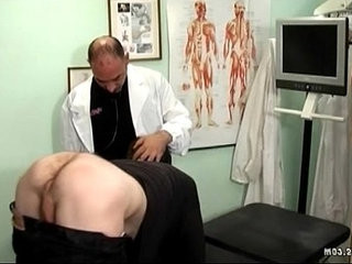 Old gay doctor pbathrobes his butt with dick